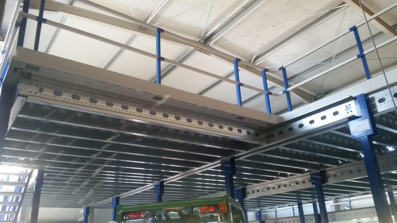 GeländerKonstruktion Lagerbühne-StahlBühne
